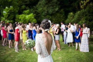 Esküvői illemtan, násznép csokordobás előtt