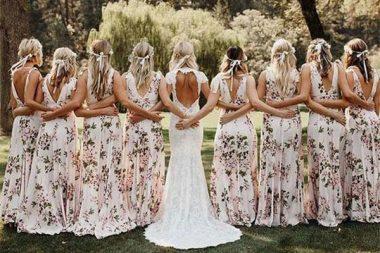 Esküvői illemtan, koszorúslányok egyforma ruhái