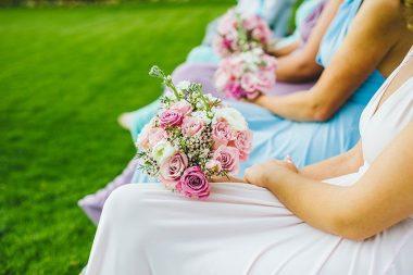 Esküvői illemtan, koszorúslányok meseszép csokraikkal
